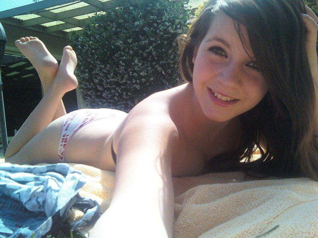 Females Nn Teen Feet Hot