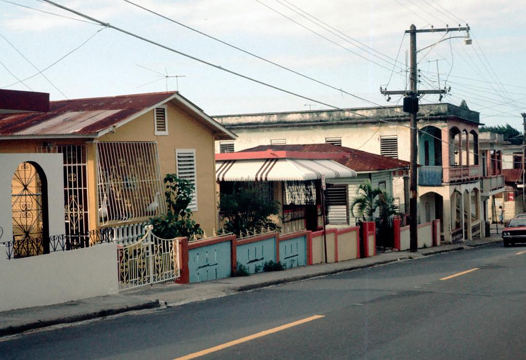 1978M024 - Puerto Rico - Barrio Obrero | photographed: 1978 | Amos Rapoport Image Archive | Flickr