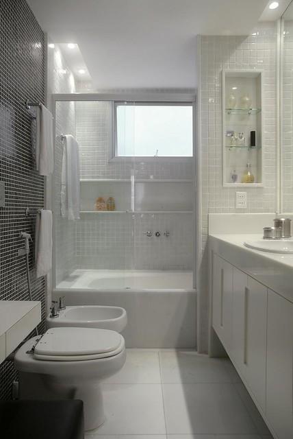 banheiro reformado para um casal  O banheiro era escuro e j…  Flickr -> Banheiro Reformado Com Pastilha