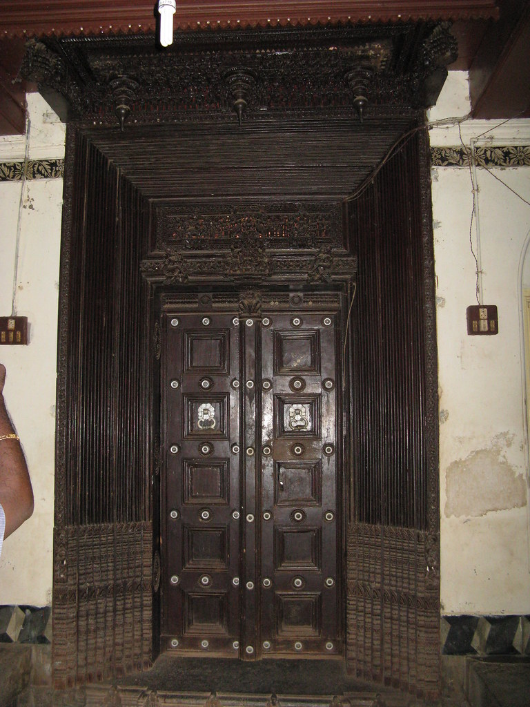 Img 0647 main door of my house arun muthu20 flickr for Chettinad house architecture design
