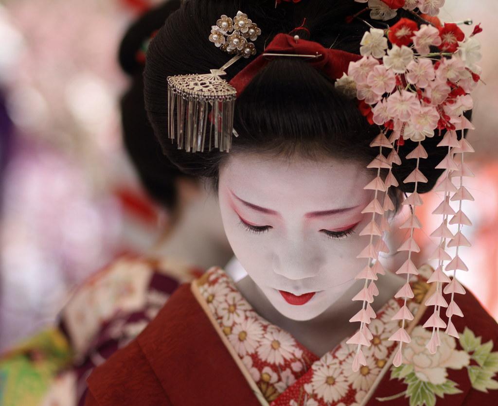 Japan 舞妓 梅らくさん The Maiko Apprentice Geisha Umeraku