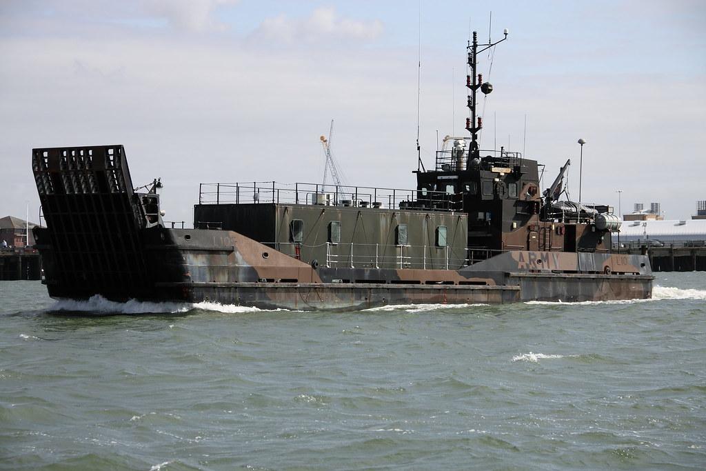 Army landing craft l105 army landing craft l105 for Military landing craft for sale