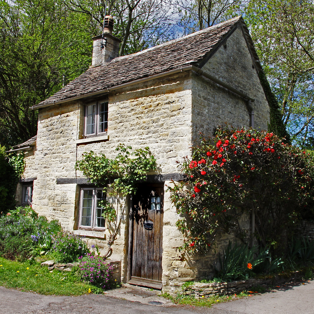 Cottage on arlington row one of the prettiest villages for Tiny stone cottage