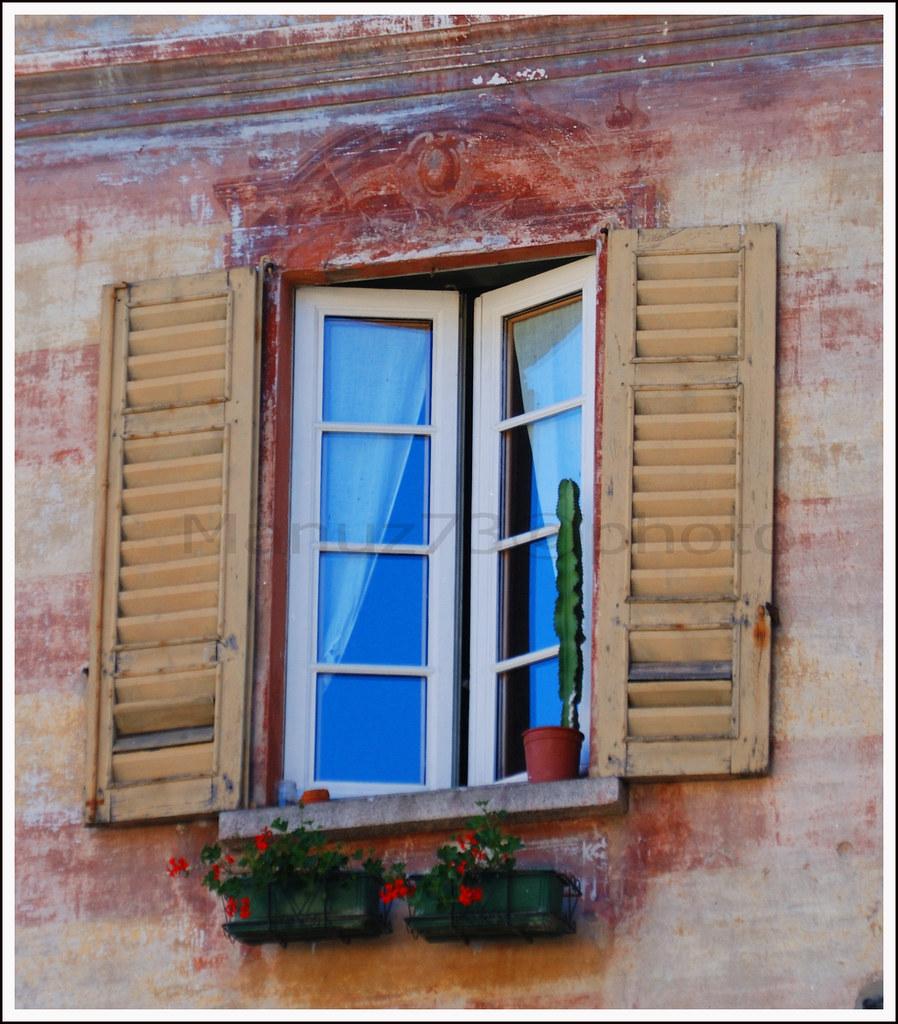 Ricordi di tranquillit dietro una finestra aperta flickr for Finestra antica aperta