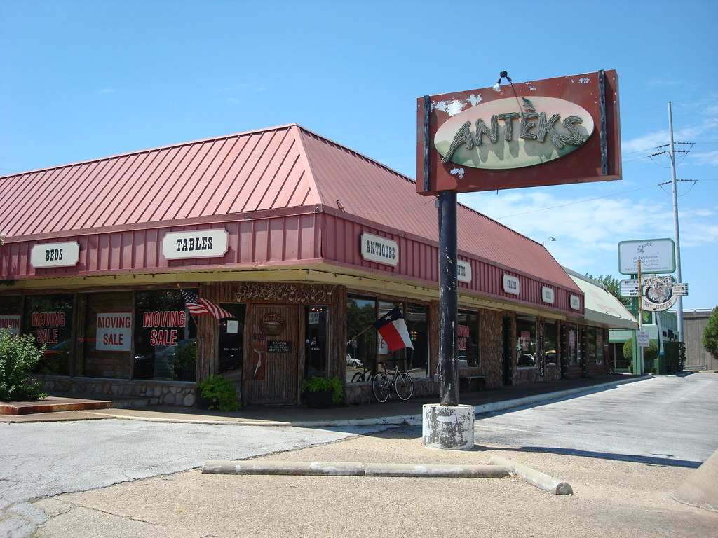 Anteks Furniture Store Here Is The Old Anteks Furniture S Flickr