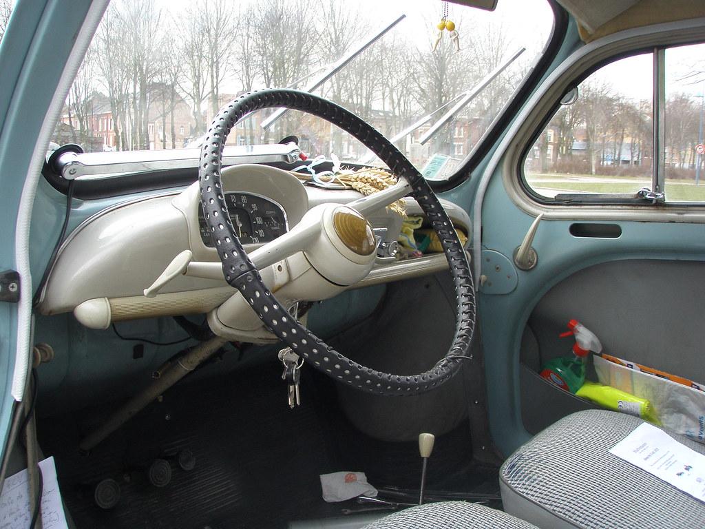 Renault 4cv int rieur amiens la hotoie 14 mars 2010 for Interieur 4cv