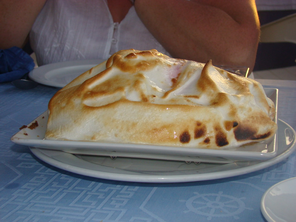 Omelette Norvegienne Also Known As Baked Alaska And Vert