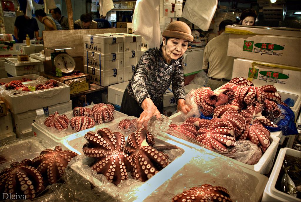 Mercado de pescado de tsukiji tokyo tsukiji market flickr for Japan fish market