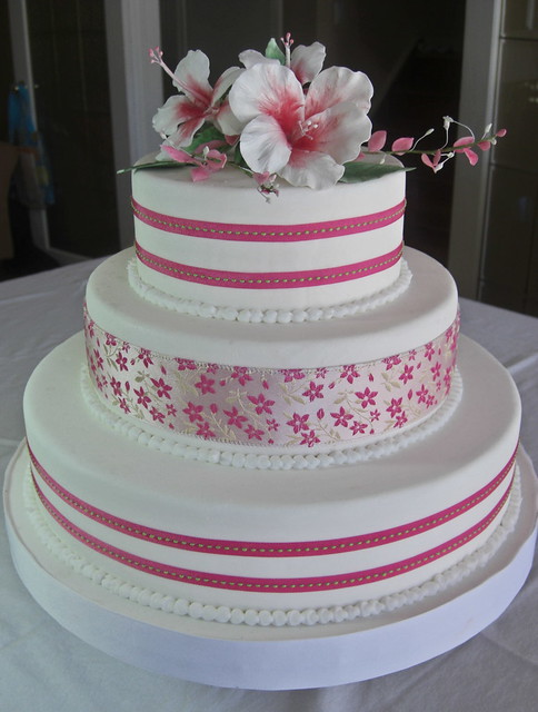 hibiscus wedding cakes hibiscus wedding cake flickr photo 15222