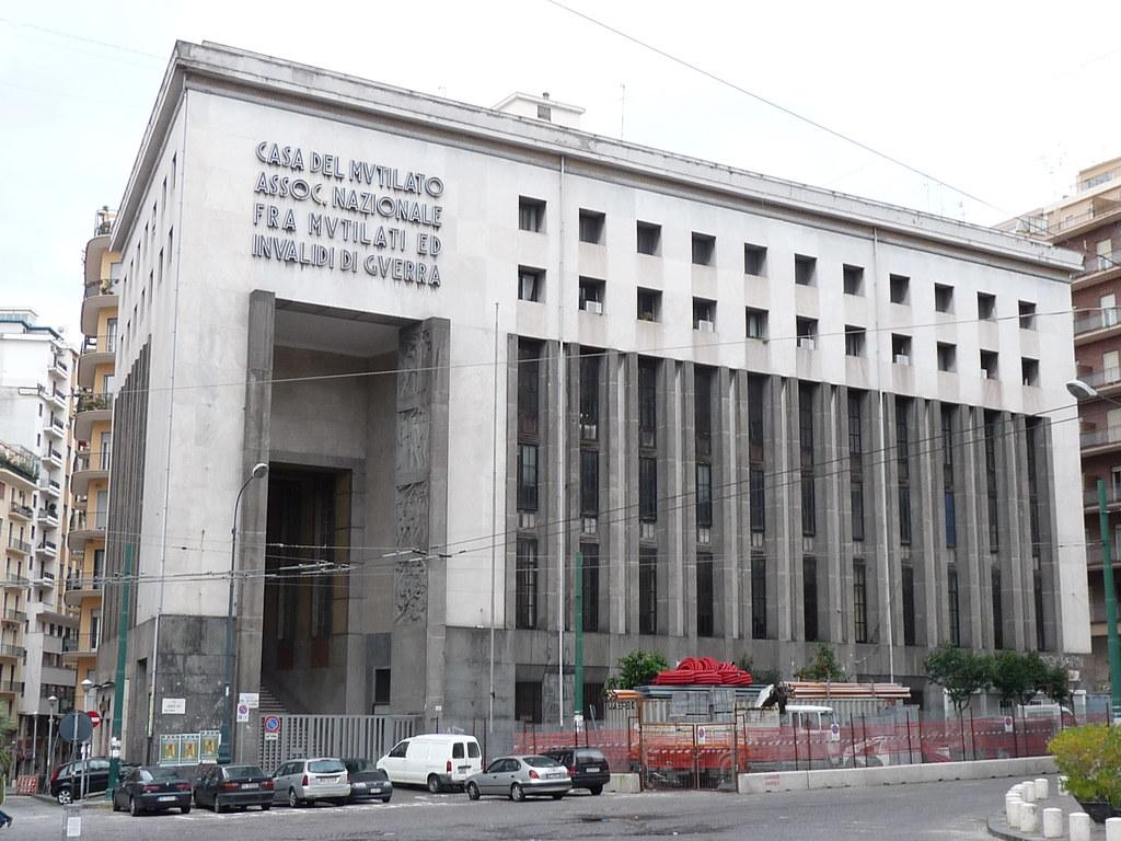 Casa del mutilato piazza matteotti napoli dan flickr for Architettura fascista in italia