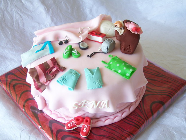 Teenage Girls Birthday Cake ;)  Teenagers Cake - messy ro ...