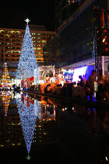 Christmas Tree @ Central World 2009 | by khunpid