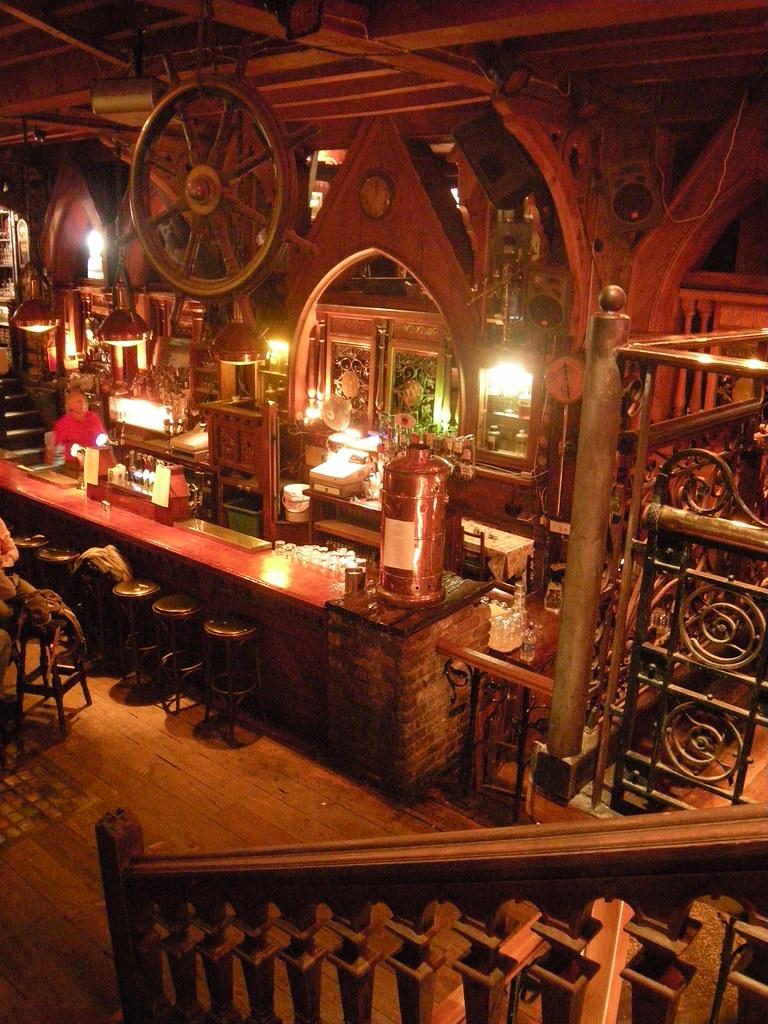 Pub The Quays interno del pub The quays a Galway
