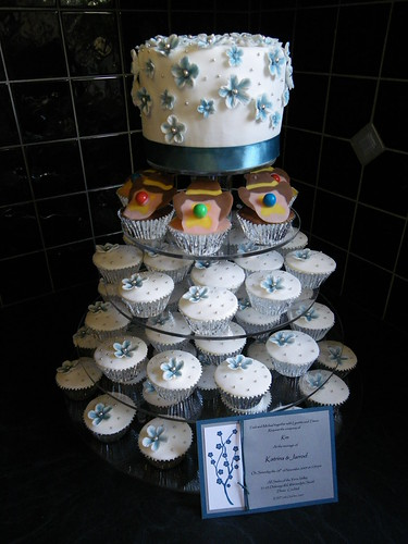 Blue White Amp Silver Wedding Cake With Bubble O Bill Cupc