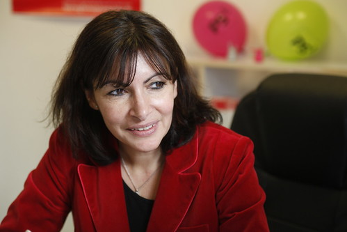 Anne Hidalgo en chat sur le site du PS | by Parti socialiste