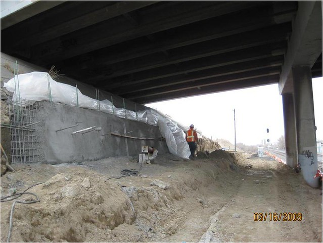 Soil nail wall construction frontrunner south area 16 for Soil nail wall