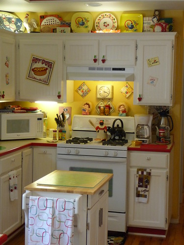 Retro Kitchen 4 | by Lora Jabot