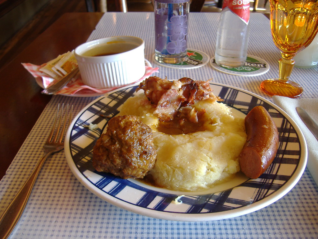 """What Is A Side By Side >> Traditional Dutch """"Hotchpotch"""" dish 