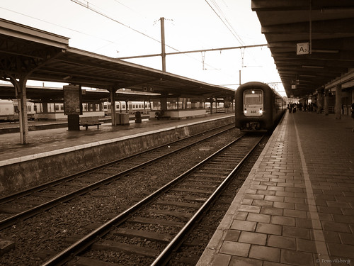 leaving mons intercity train at mons station leaving towar flickr. Black Bedroom Furniture Sets. Home Design Ideas