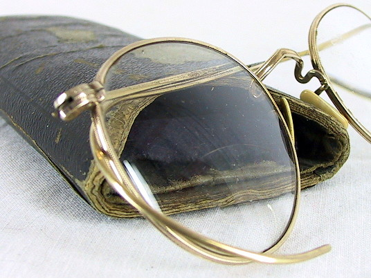 Wire Frame Glasses Vintage : Vintage Wire Frame Eyeglasses with Case Here is a great ...