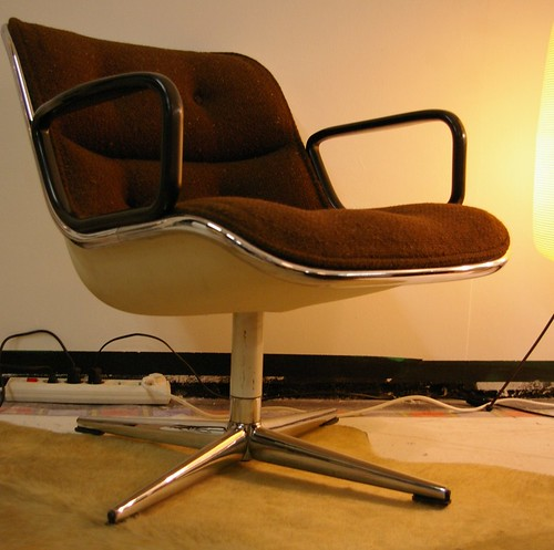 charles pollock fauteuil bas pivotant dit par knoll flickr. Black Bedroom Furniture Sets. Home Design Ideas