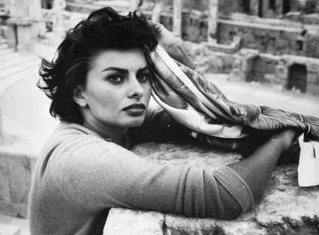Sophia Loren  Classicfilmscansblogspotcom  Kate -2245