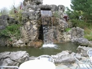 Waterval In Tuin : Zuurstof in de vijver zuurstofgebrek voorkomen met zuurstofpomp