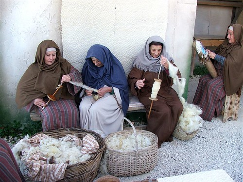 WOMEN WORKING WOOL AND LACE. | by KNOW MALTA by Peter Grima