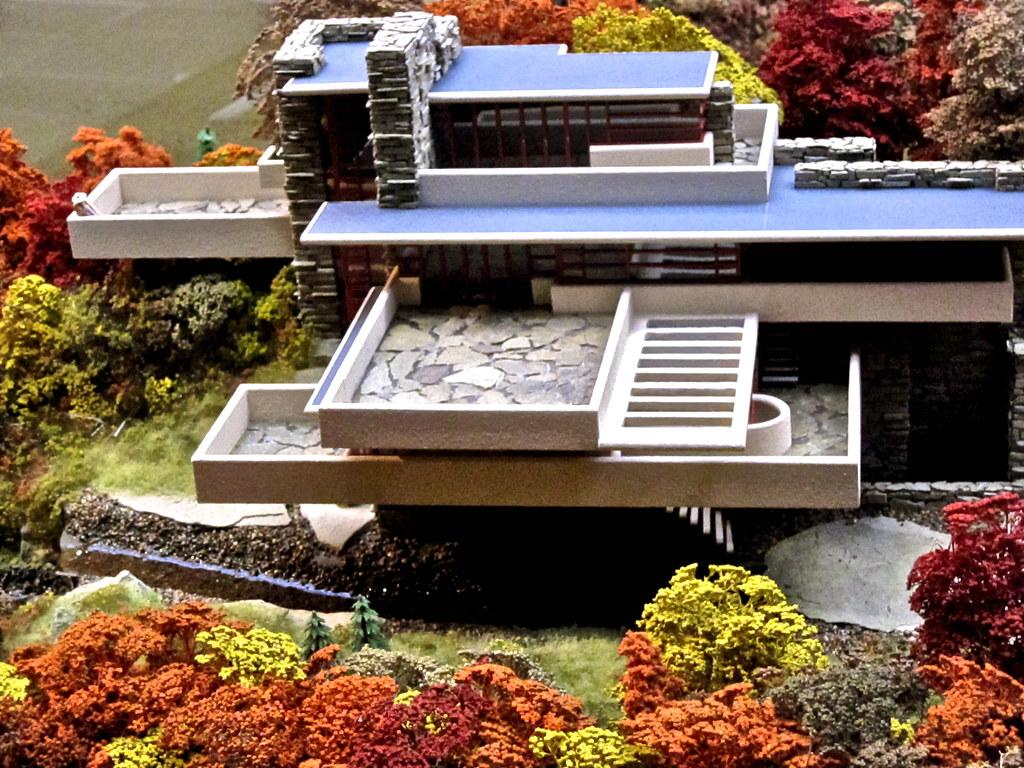 Miniature railroad - Falling Water model | ellenm1 | Flickr