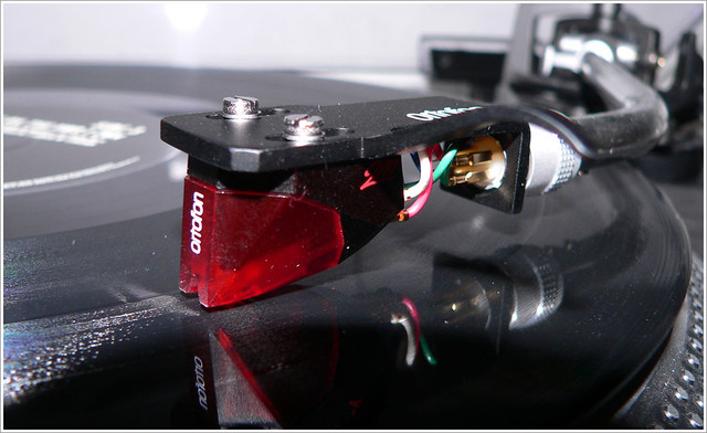 Ortofon 2m Red On Vinyl 2 New Headshell With 2m Red By