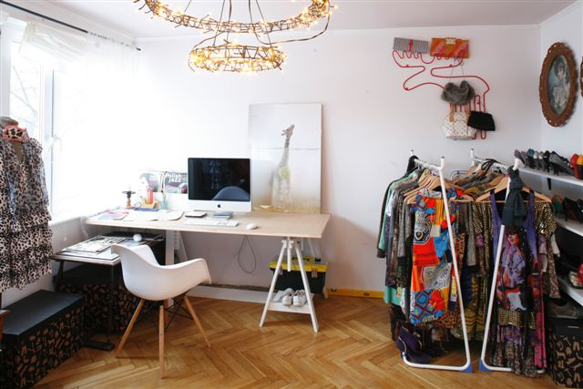 Sypialnia kącik pracowniczy i garderoba  Stół (Ikea), wiesz…  Flickr