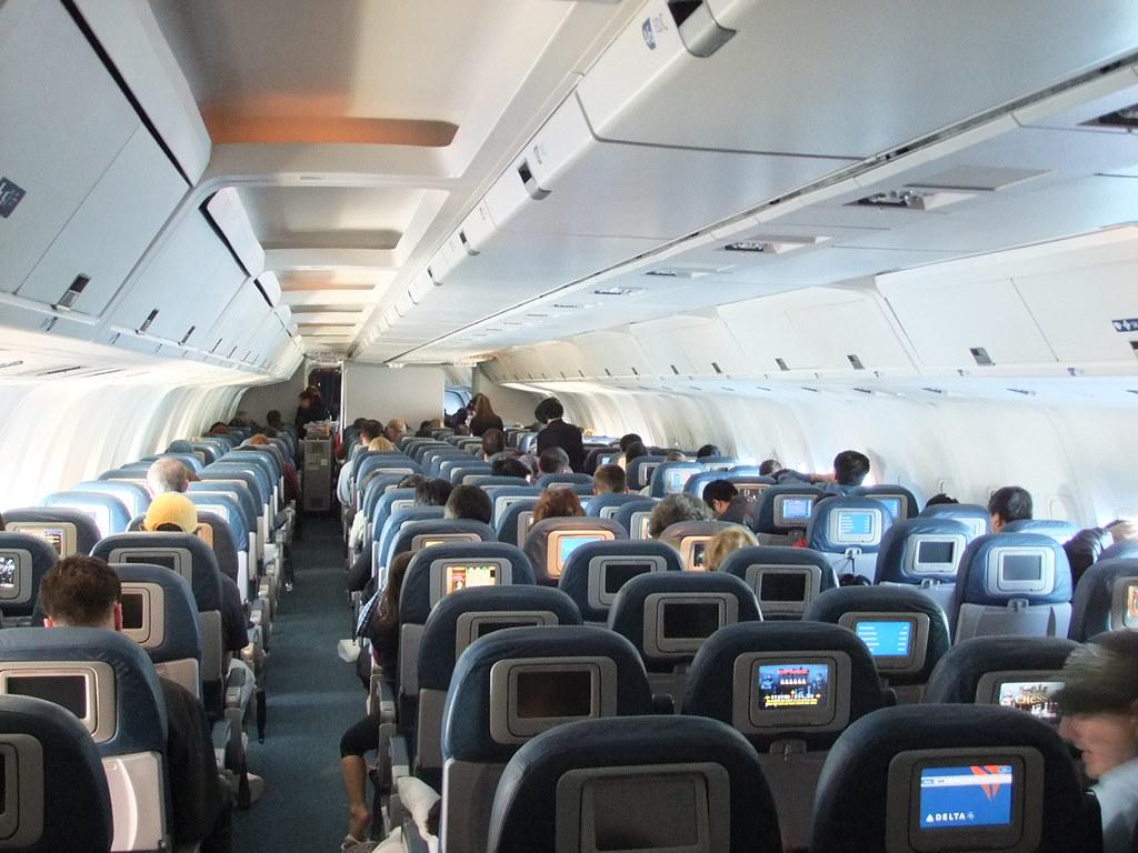 delta airlines b767 300 cabin flickr. Black Bedroom Furniture Sets. Home Design Ideas