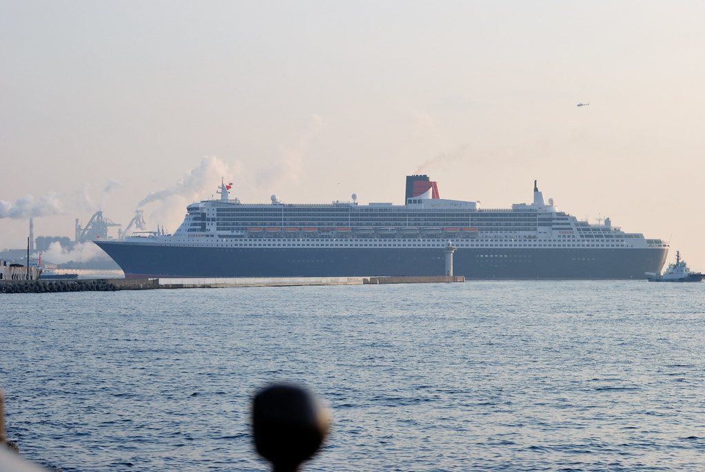 Queen mary 2 goes past industrial area of ogi jima flickr for Queen mary fishing report