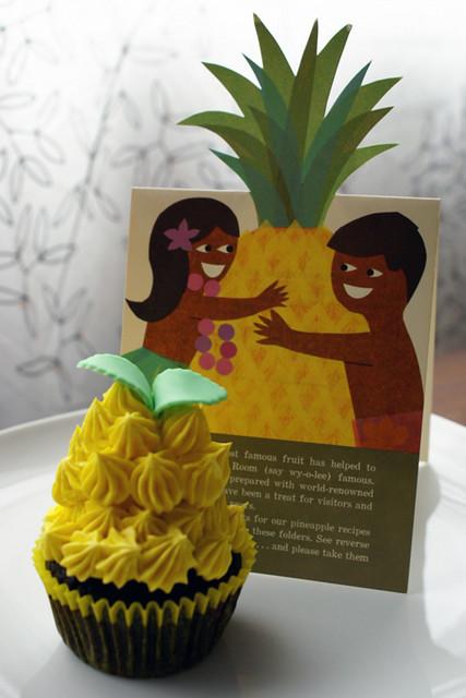 u0026quot pineapple u0026quot  cupcake