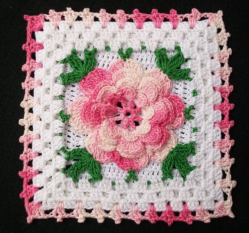 Thread Crochet Potholder with Pink Rose Thread crochet ...