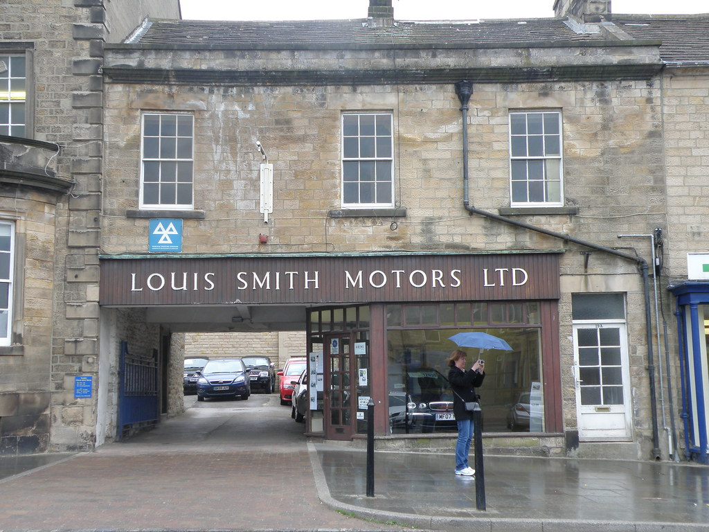 Classic garage louis smith motors ltd is one of the for Garage louis vincennes