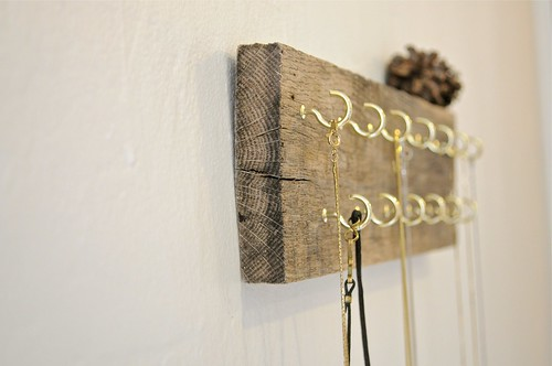 reclaimed wood necklace holder | by gillian.