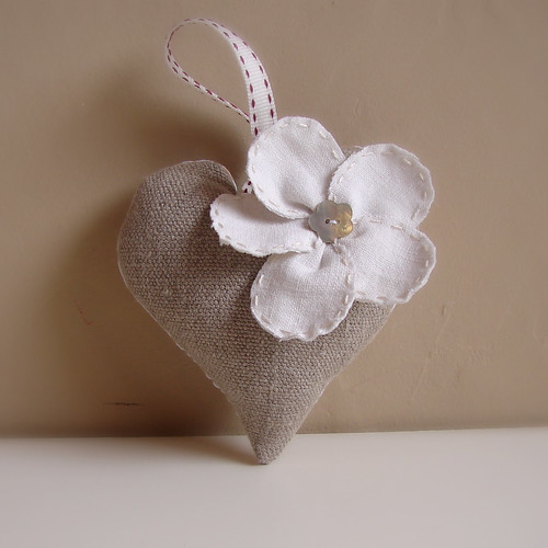 Christmas heart natural linen 1 | by Roxy Creations