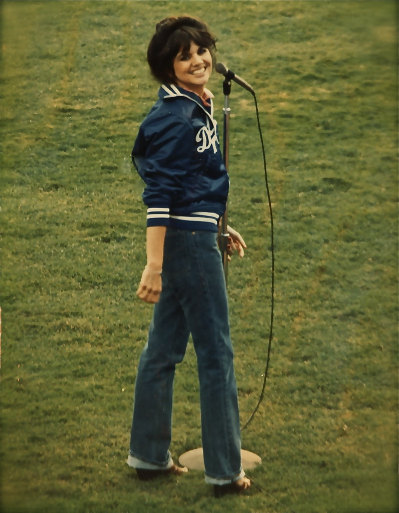 linda ronstadt  dodger stadium photographer jean krettle flickr