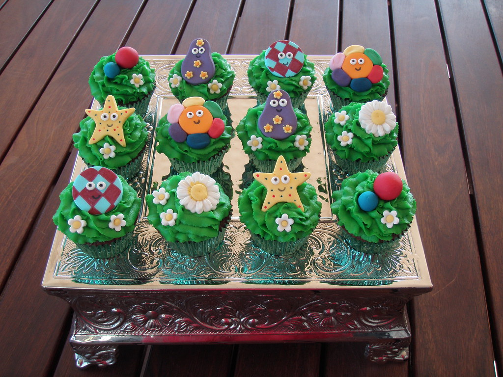 Mossy\'s masterpiece - In The Night Garden cupCakes | Flickr
