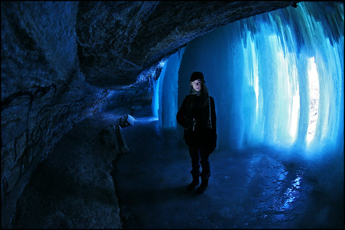 minnehaha falls - minneapolis ice cave | by Dan Anderson.