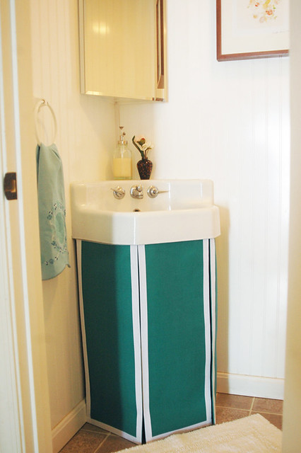 Attrayant ... No Sew Pedestal Sink Skirt | By Itu0027s Great To Be Home