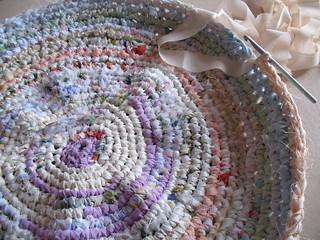 Tappeti In Tessuto Riciclato : Tappeto con tessuti riciclati elenaregina wool flickr