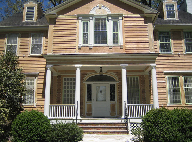 Olger Fallas Painting Works On The Exterior Painting Of Maplewood New Jersey