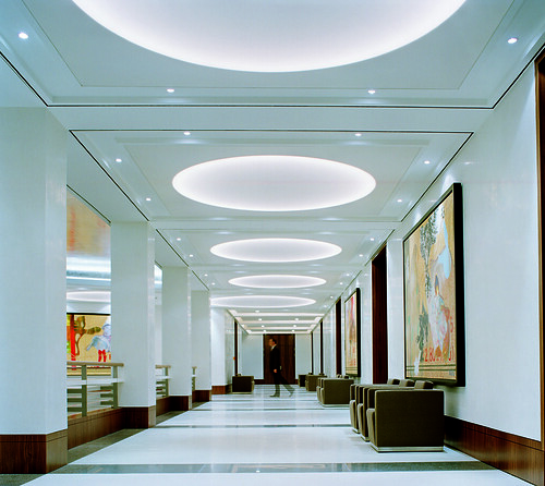 White design and spacious meetings and events area hallwa for Designhotels in deutschland