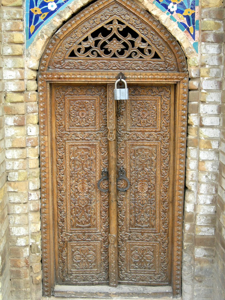 Carved wooden doors on Old Mosque, Samarkand | Carved ...