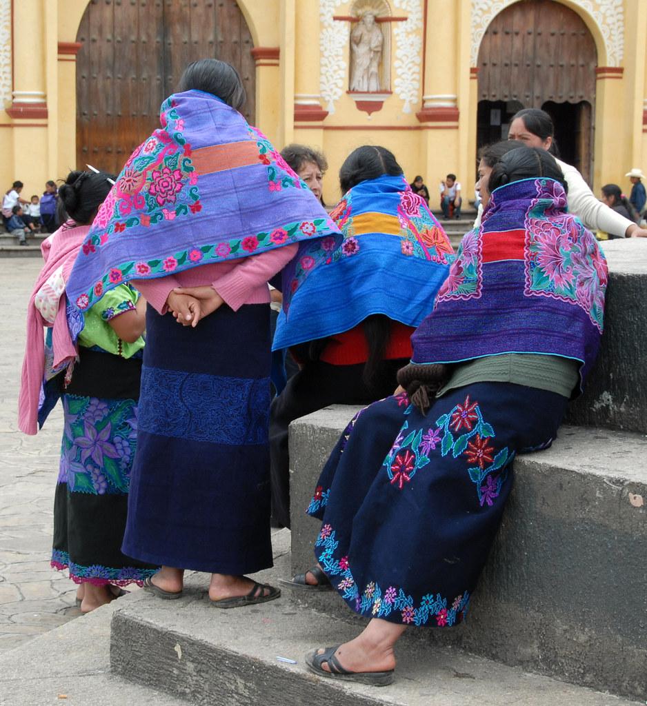 san cristobal de las casas cougar women Mexico chiapas tour in 6 days and 5 nights visiting sumidero canyon, chiapa de corzo, san cristobal de las casas, san juan chamula, zinacantan, amatenango del valle.