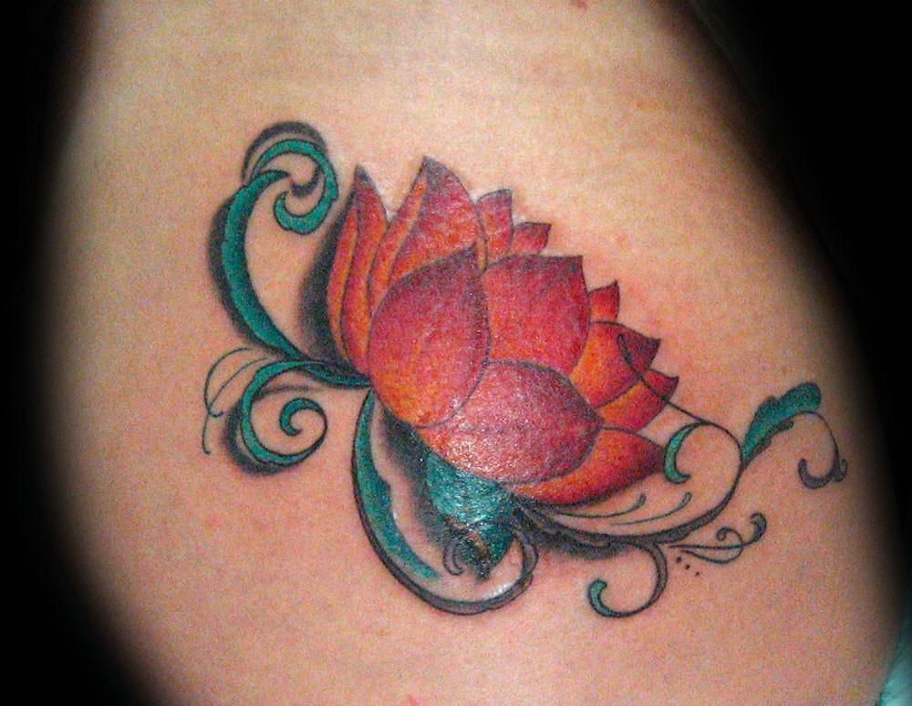 Tatuaje Flor De Loto Pupa Tattoo Granada Pupa Tattoo Art G Flickr
