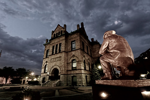 Brockton City Hall and Fireman Statue | Decided to run out ...