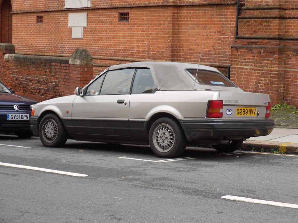 1990 ford escort xr3i cabriolet what was the story behind flickr. Black Bedroom Furniture Sets. Home Design Ideas
